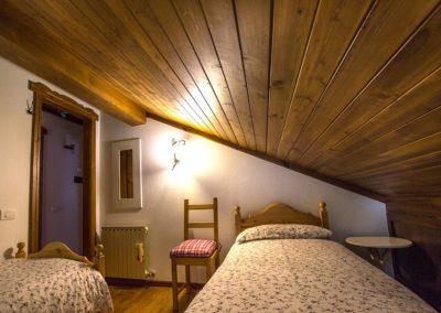 camera-da-letto-dolomiti-2